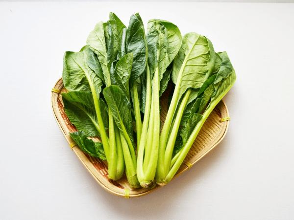 小松菜の冷凍・冷蔵・常温保存方法と期間。保存食にも活用