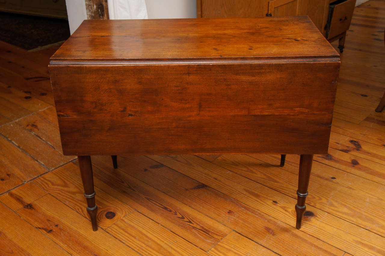 Early Period American Cherry Drop Leaf Table With Drawer