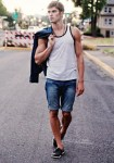 海のデートでの服装2016!メンズはマリン系コーデが流行り!