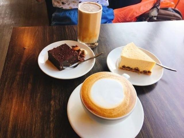 Sip cafe 2.jpg