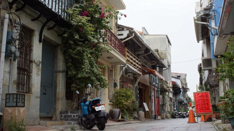 Tainan in the West
