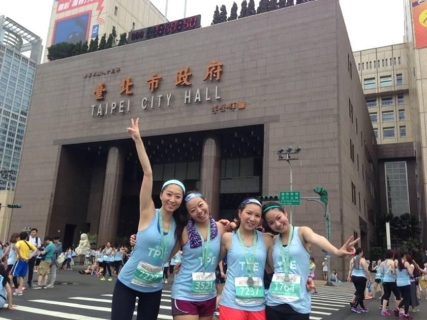 Minutes在最沮喪的時候,遇上了一班喜愛運動的朋友,更帶她走到台灣參加跑步比賽。(受訪者提供)