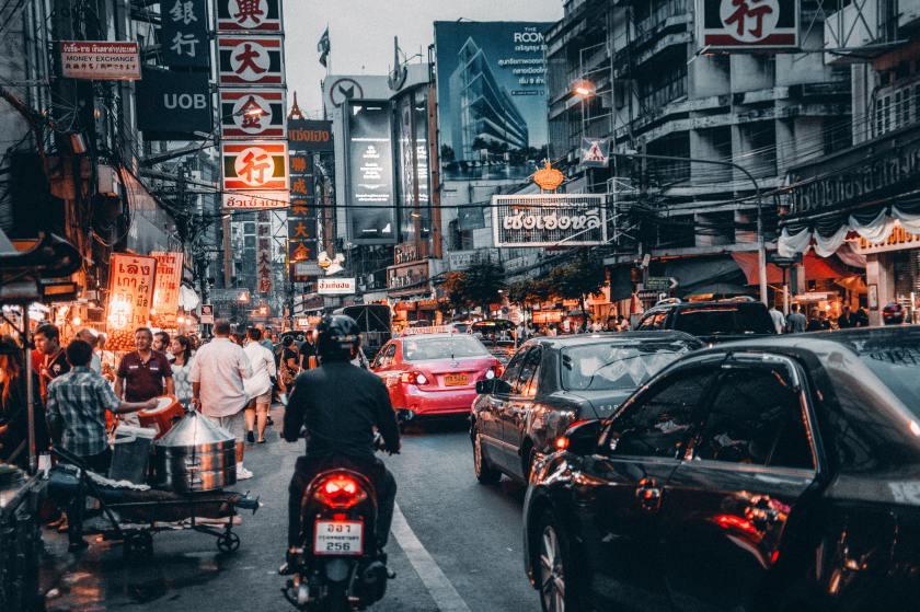 bangkok-billboards-buildings-708764
