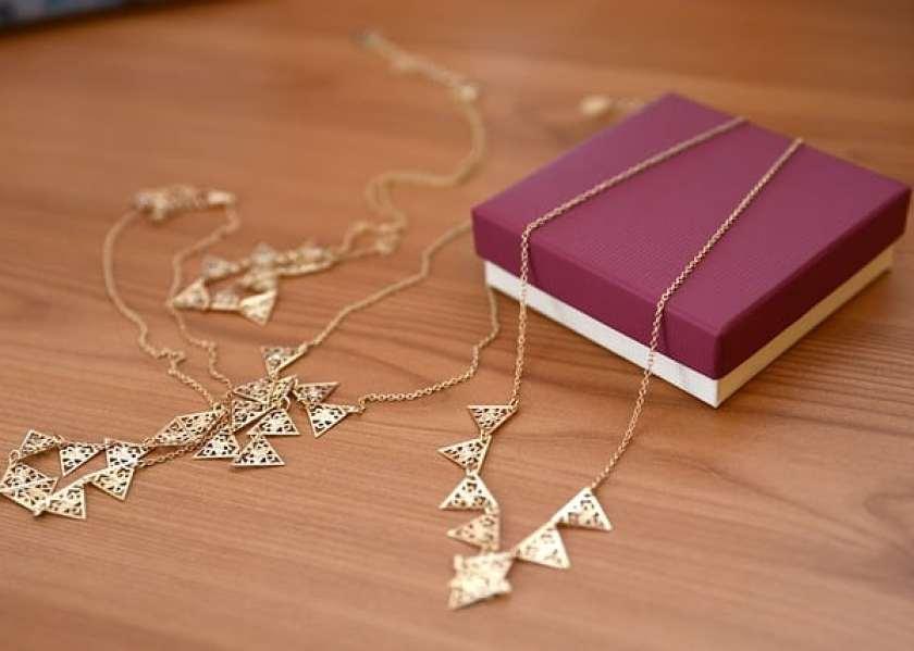 jewellery-2412842_640.jpg