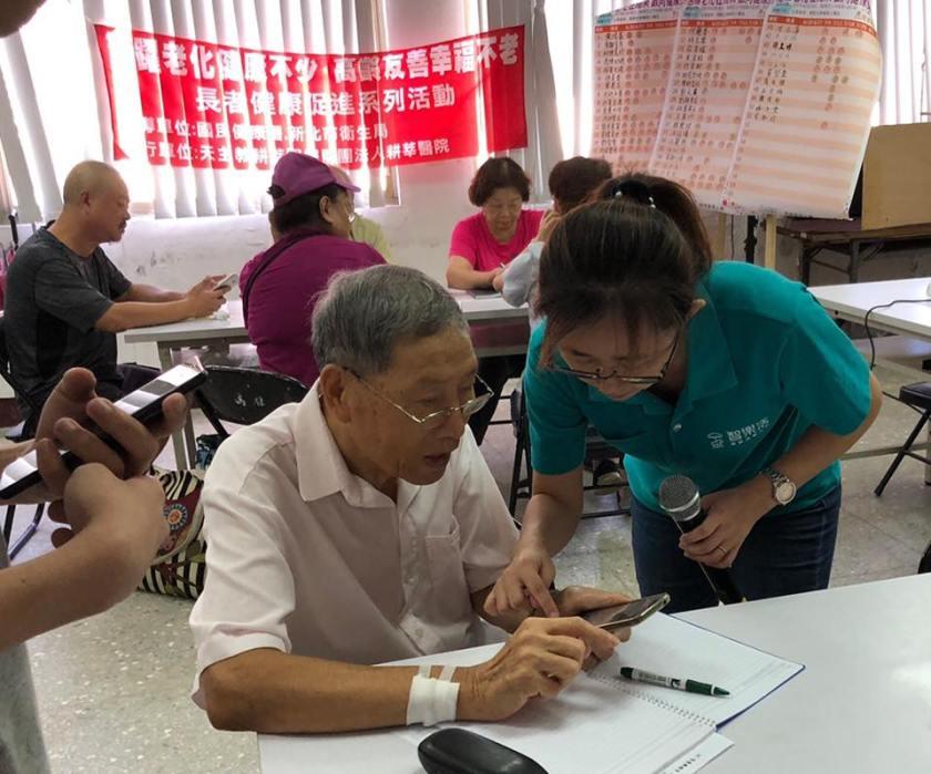 在教學的過程中,陳麟覺得「分享」真的是件幸福且有意義的事情。