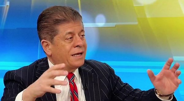 Fox News analyst warns Mueller 'is on to something with ...