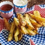Smoked paprika fries & condiments