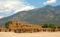 Taos, Novo México, Estados Unidos - uma experiência verdadeiramente ocidental em um belo cenário