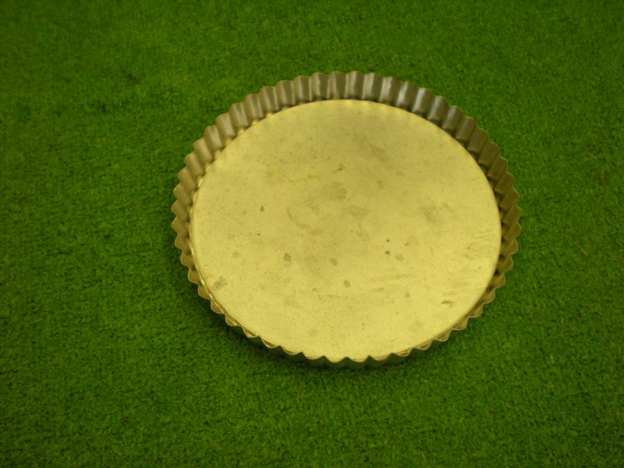 Fluted Circular Loose Base Tin