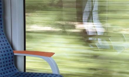 사소하지만 쓸모있는 철도 이용 깨알팁 [1. 콘센트 자리]