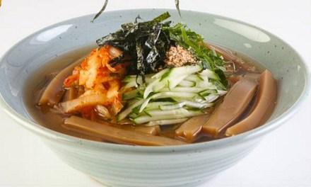 영양 가득 도토리 묵밥 만들기