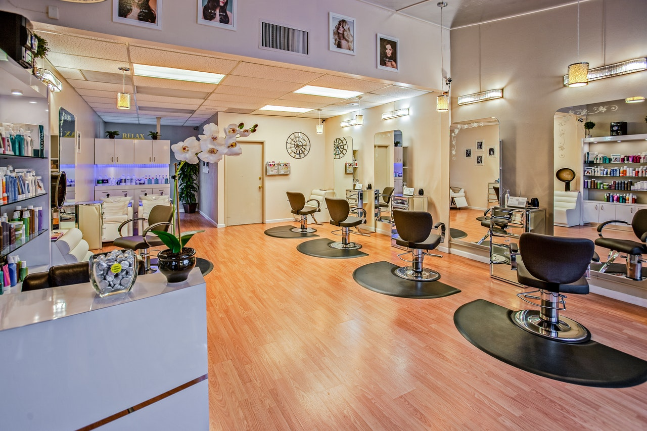Learn How Professional Beauty Salon Can Help You?