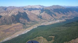 On glide across the Hope river (Lewis pass highway)