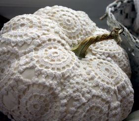Vintage pumpkins (Bright Nest)