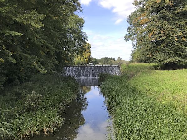 The weir on the River Chess