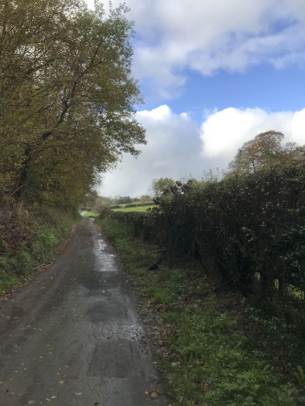 Leaving Hedgerley Hill on a narrow lane