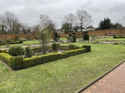 Begin the Eastcote House & 8 park walk here