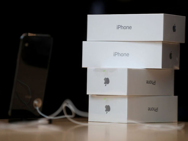 New iPhones won t include headphone adapter in the box   KGUN9 com Boxes of the new iPhone X sit on a table at an Apple Store on November 3   2017 in Palo Alto  California