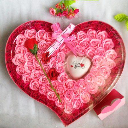 Kerajinan Dari Sabun Berbentuk Bunga Hati