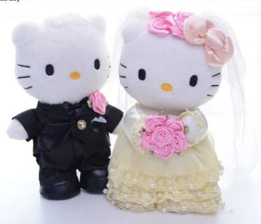 Gambar Hello Kitty Gembira 2