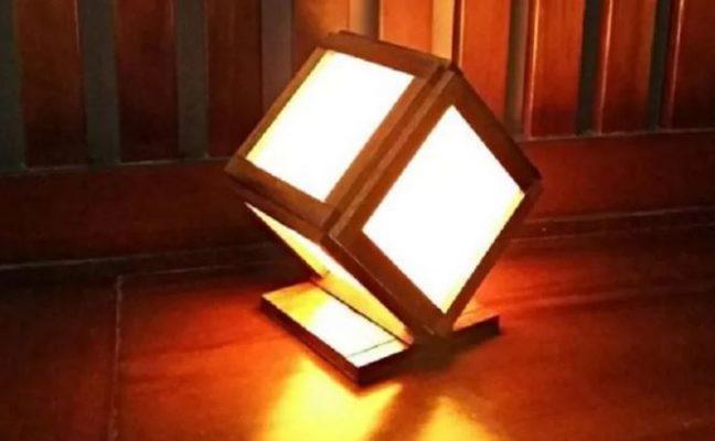 Kerajinan Lampu Hias dari Limbah Kayu