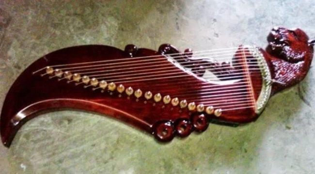 Alat Musik Harmonis Tradisional