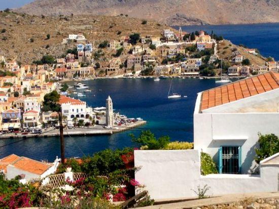 View of Gialós, the main harbour of Sími, Greece