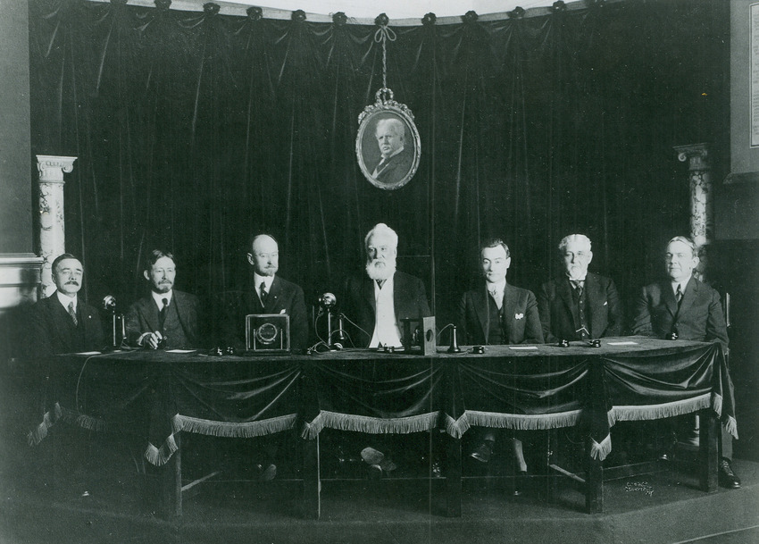 1st Transcontinental Phone Line -- First Ceremonial Call (Bell in NY) 1915.jpg