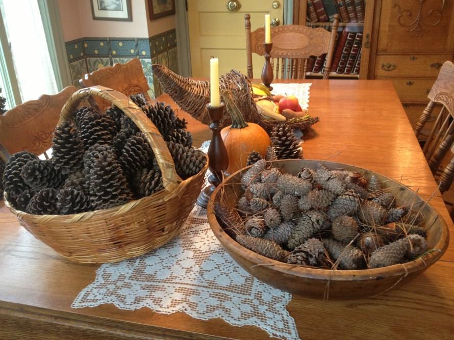 Pinecones_in_bowls