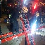 בולען נפער ברחוב האודם בהרצליה סמוך לאתר בניה כיבוי אש חילצו נער