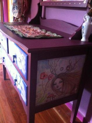 I handpainted my chest of drawers....