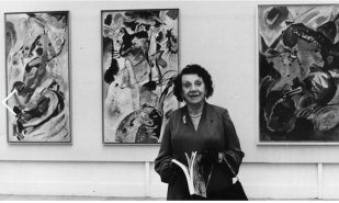 German woman at the Exhibition, in front of Kandinsky