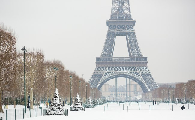 eiffel tower in snow