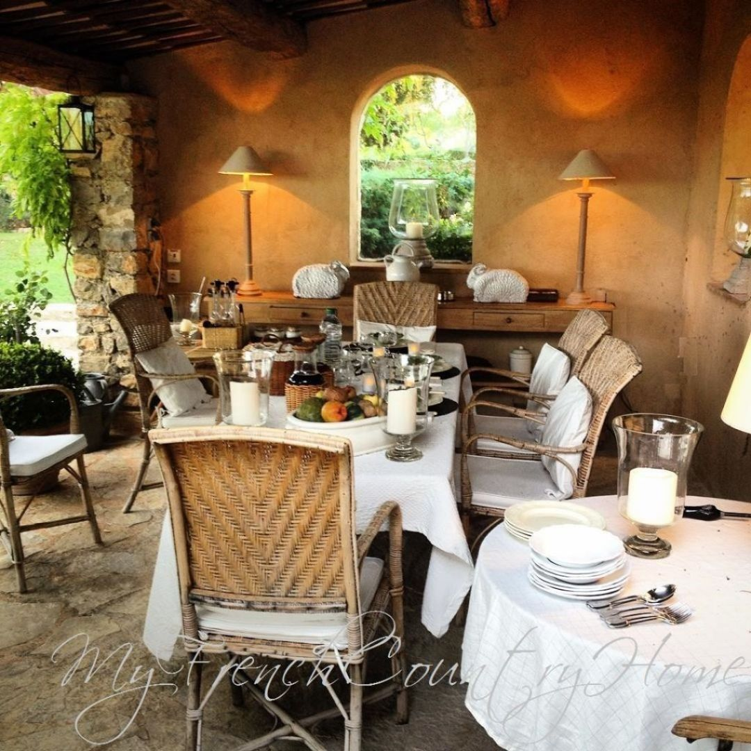 dinner table in south of france home