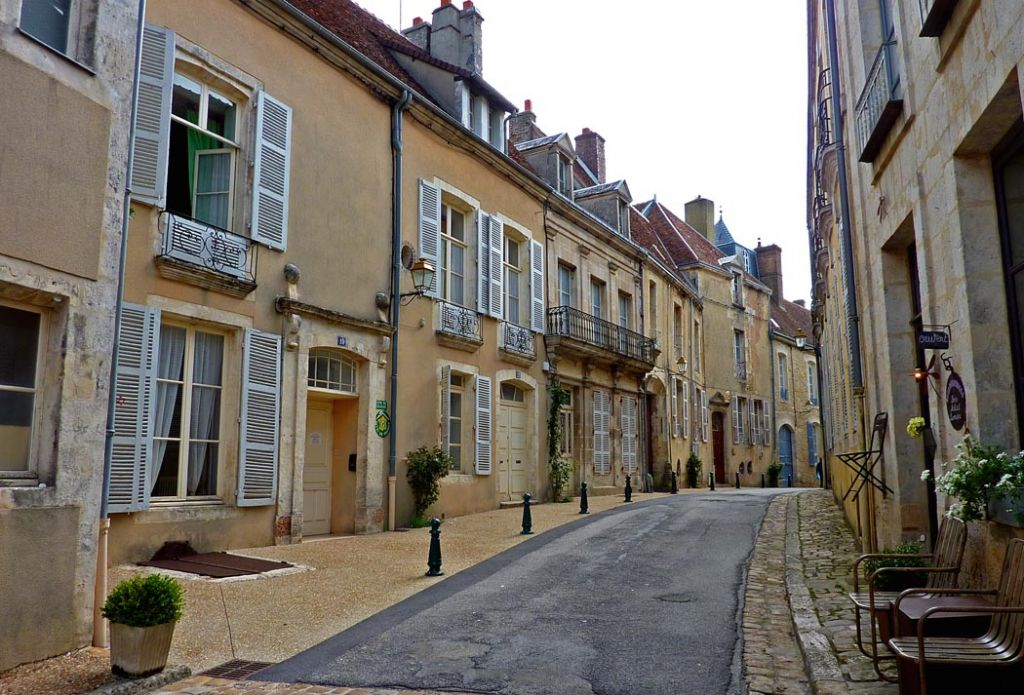 small street in the town of Belleme