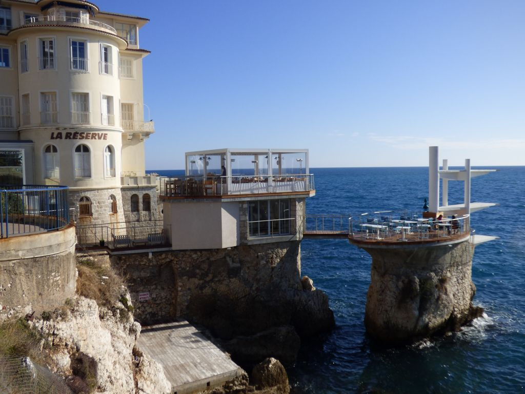 RESTAURANT ON ROCK IN NICE