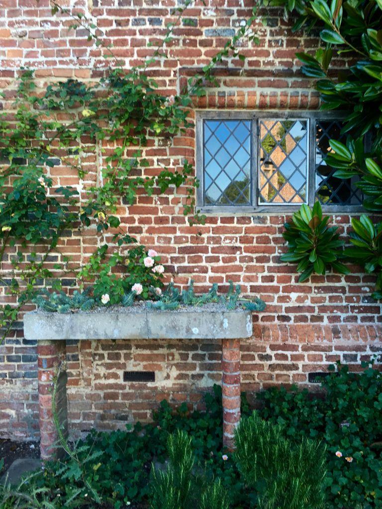 overview of sissinghurst gardens