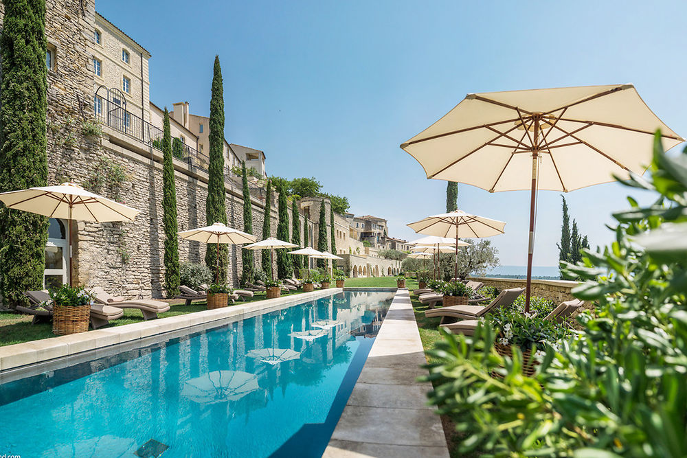bastide de gordes pool