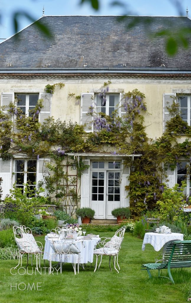My-french-country-home-entertaining-through-the-seasons-F.Schmitt