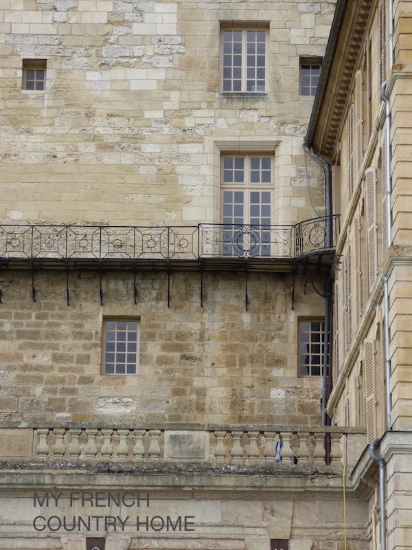 detail chateau roche guyon