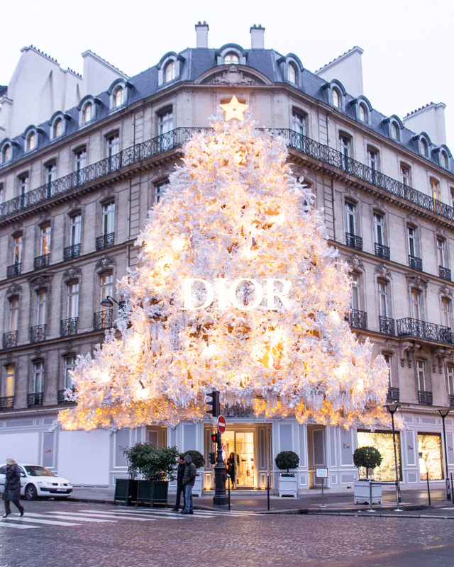 Dior, Avenue Montaigne- paris decorated for christmas- MY FRENCH COUNTRY HOME