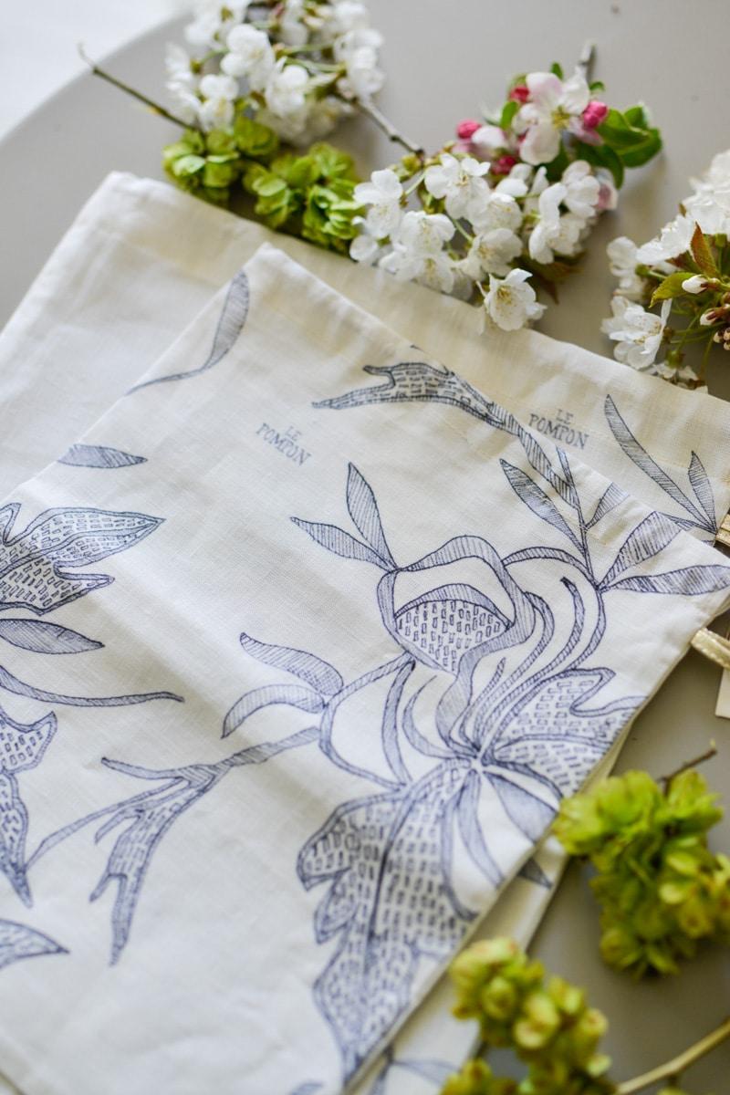 blue and white box- may 2019- my stylish french box- le pompon pochette