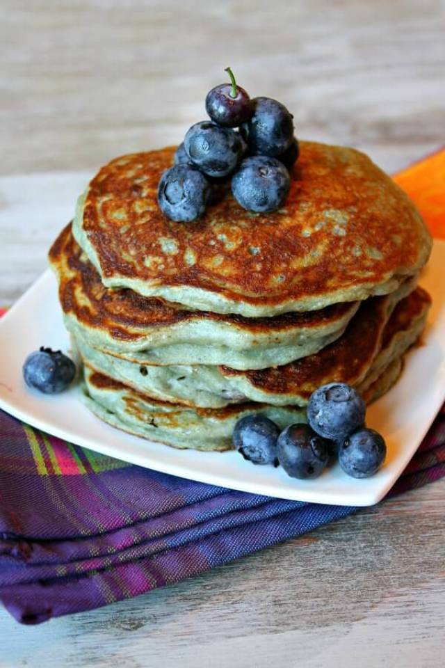 If you're looking for easy weight watchers breakfast recipes with SmartPoints, you better check this out! This collection of healthy WW breakfast recipes with points are great to start your day. Perfect to make ahead and enjoy on the go. There's weight watchers breakfast ideas with eggs, sandwich ideas, overnight oats, and other freestyle ideas. #weightwatchersbreakfast #weightwatchersbreakfastrecipes #smartpoints #withpoints #breakfastideas #ww