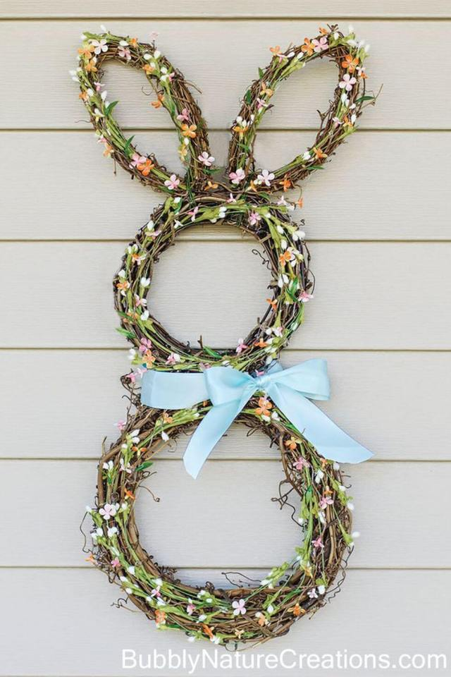 Easy Easter Decorations For The Home: Easter Wreaths Are you looking for DIY Easter decorations ideas? These homemade Easter decorations include Easter decor ideas with eggs, Easter centrepieces, Easter decorations table and so much more! Plus, if you're after Easter crafts for adults, Easter crafts kids or Easter crafts decorations, these ideas are brilliant. #easterdecorations #eastercrafts #easterdecor #diy #masonjars #homemade #easterwreaths