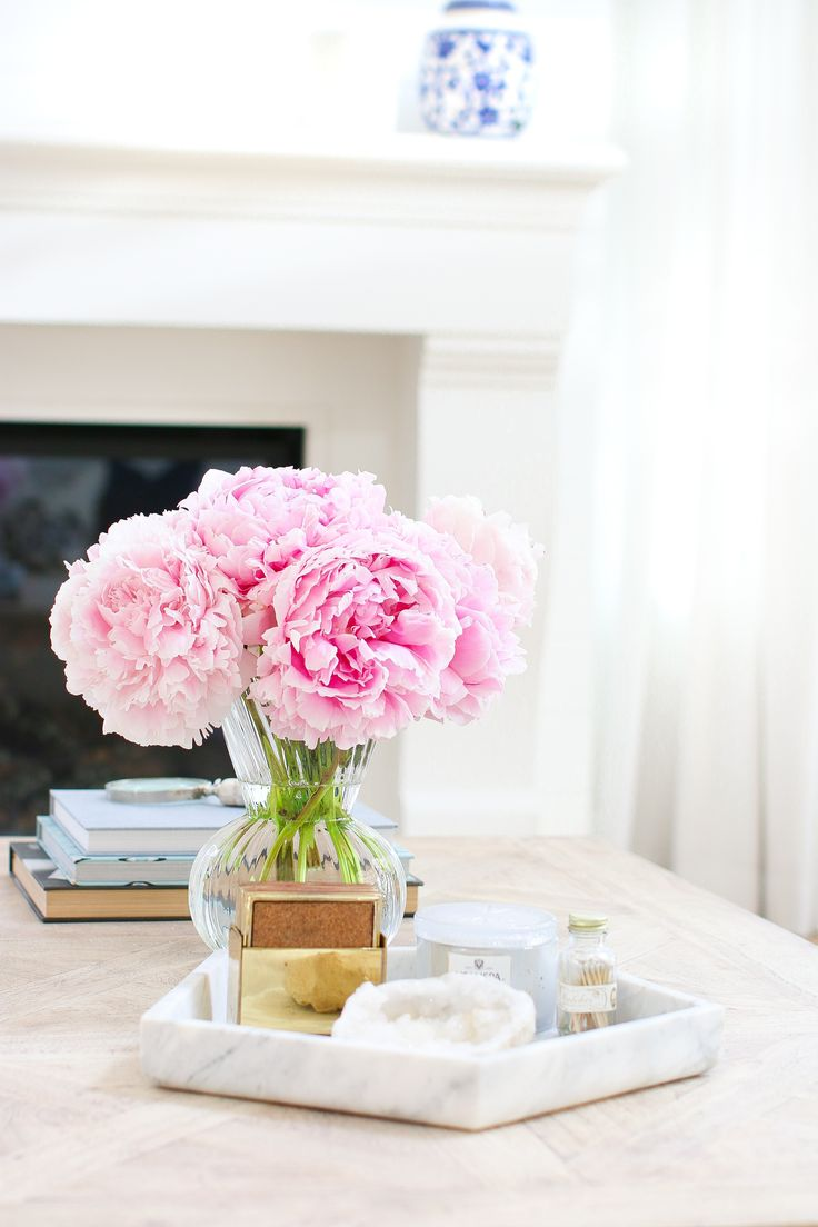Best Designer Tips For Styling A Coffee Table Tuft Trim This Month