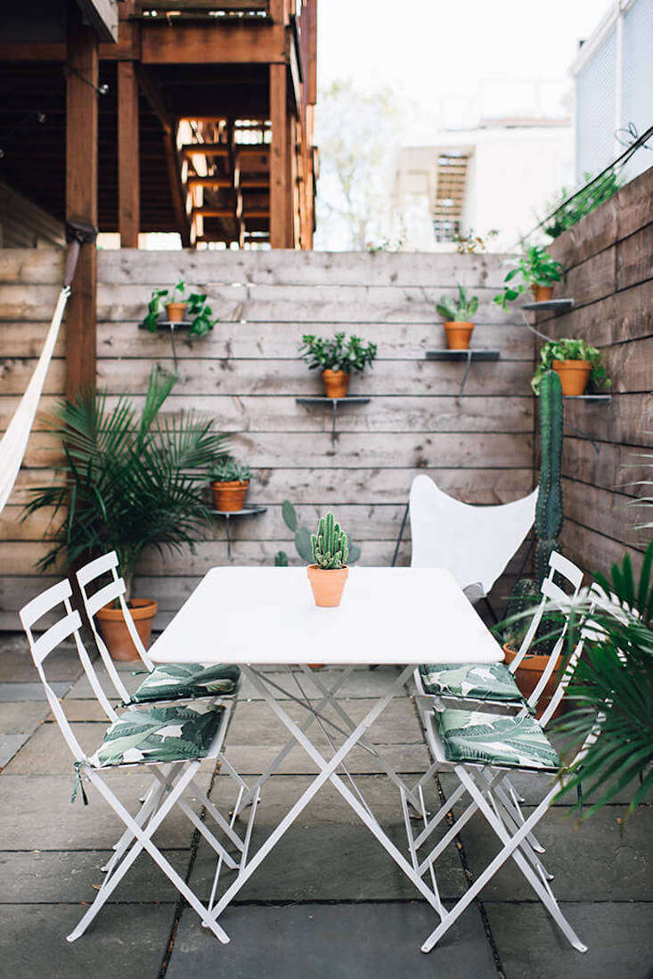 Best Steal This Look A Garden Terrace In South Boston Gardenista This Month