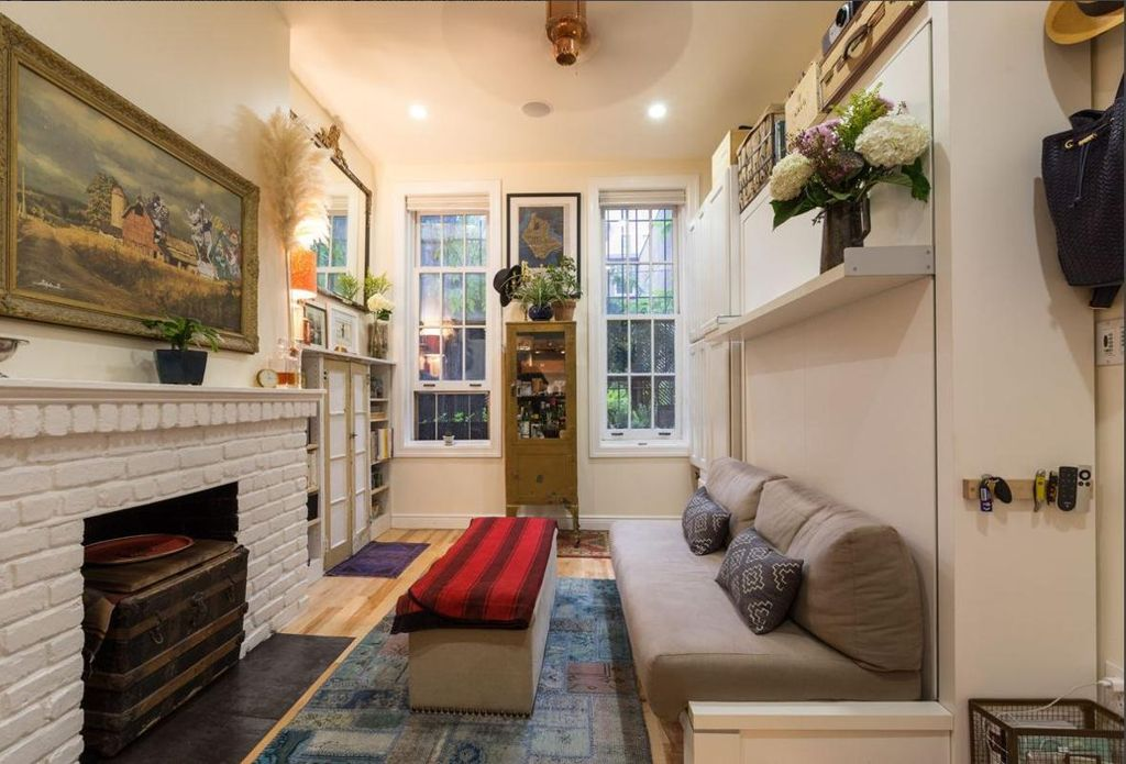 Best Couple Turns A 22 Sqm New York Apartment Into A Cozy Home This Month