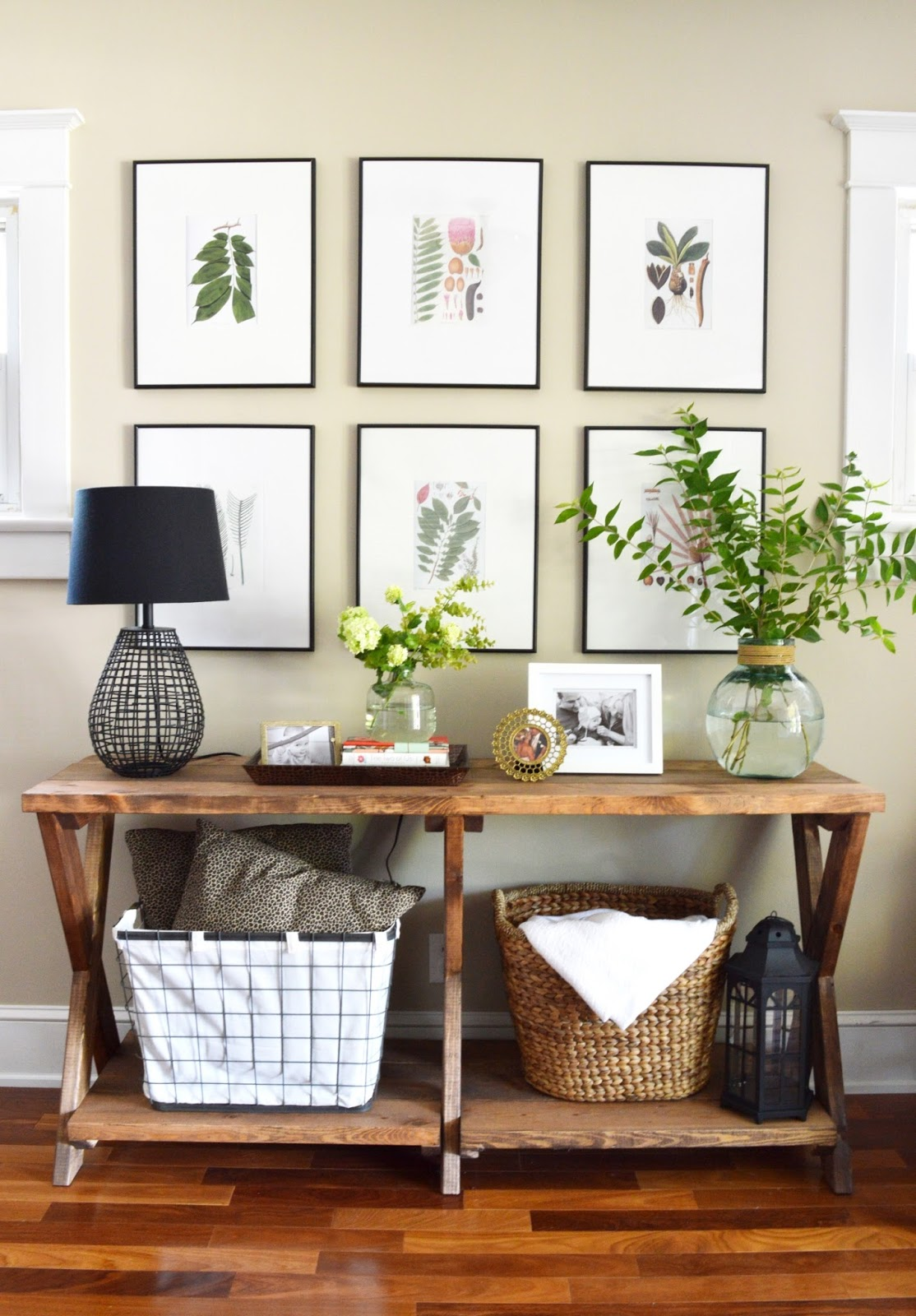 Best 11 Tips For Styling Your Entryway Table This Month