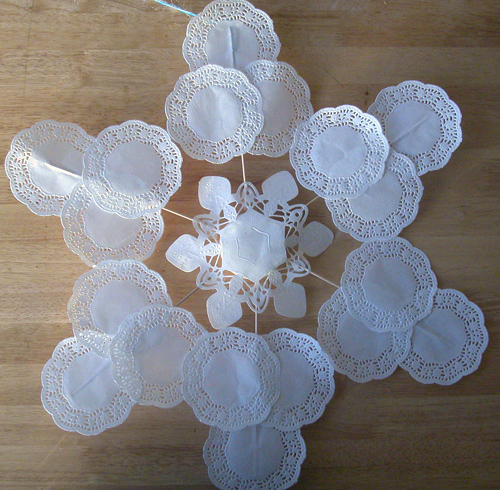 Best Make A Large Snowflake Decoration Out Of Doilies » Dollar This Month