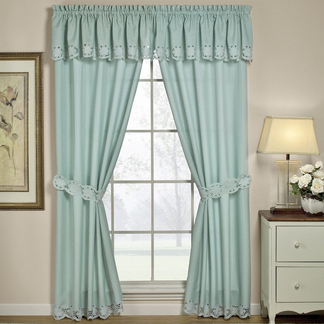 Best 4 Tips To Decorate Beautiful Window Curtains Interior Design This Month